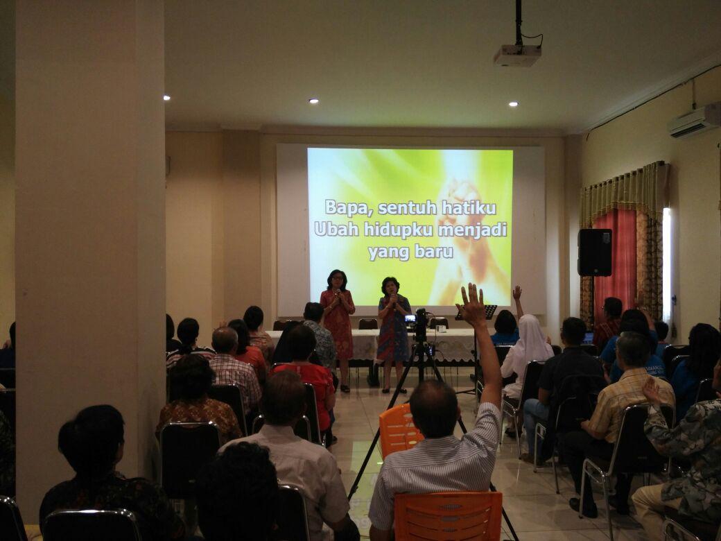 Seminar Ron Ryan BPK Medan - Mengembangkan Kepemimpinan Persekutuan Doa Karismatik Katolik