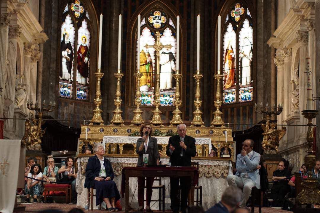 Menyebarkan Rahmat Baptisan Dalam Roh (Oleh Fr. Jonas Abib)